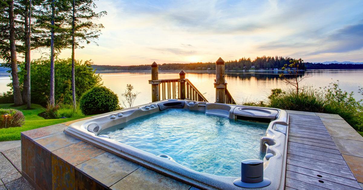 poreallas ja hieno auringonlasku järvellä